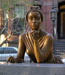 Phillys Wheatly estatua