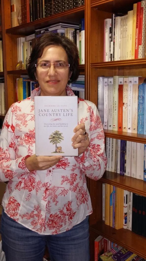 Ana con libro