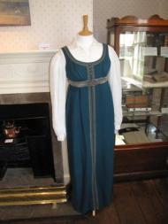 5 Octubre 2015-28 Marzo 2016: Exposición de trajes de Emma en la Casa Museo de JaneAusten