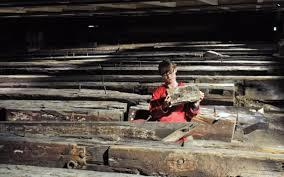 Arqueólogos trabajando con los restos del NAMUR